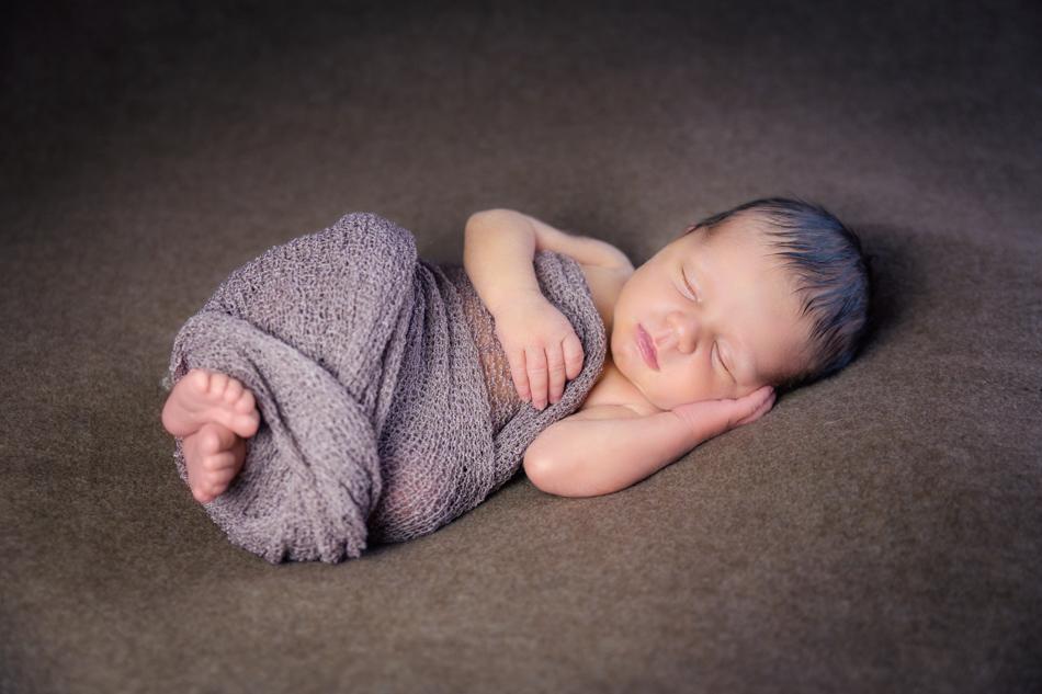 Babyfotograf-Babyfotoshooting-Neugeborenenbilder-Fotograf-BadSaeckingen-Basel (2 von 11)