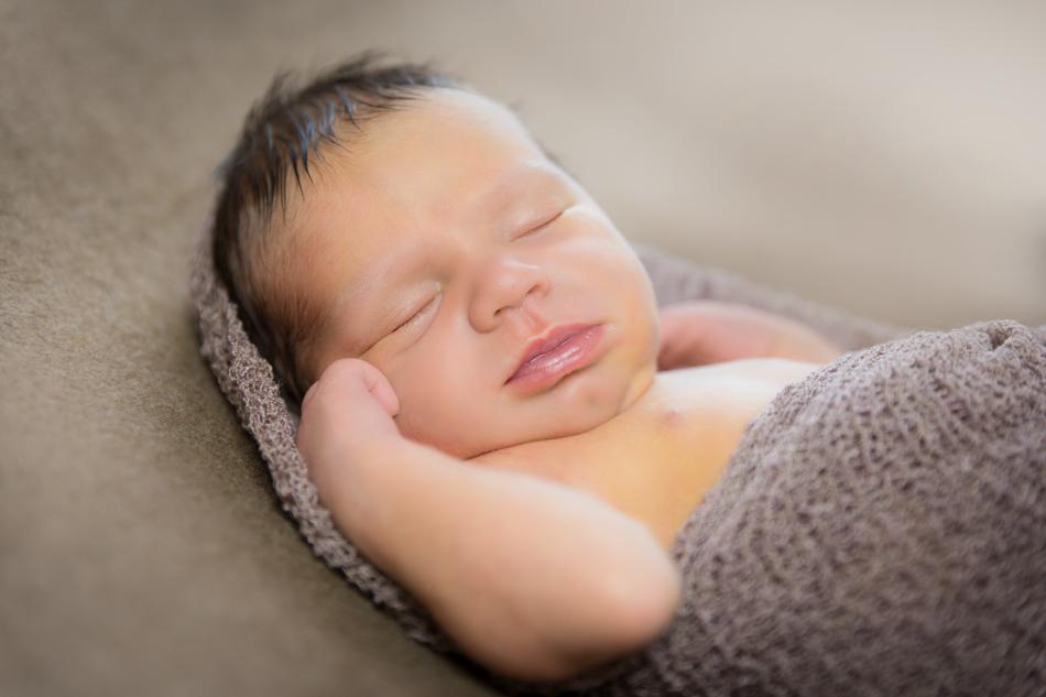 Babyfotograf-Babyfotoshooting-Neugeborenenbilder-Fotograf-BadSaeckingen-Basel (6 von 11)