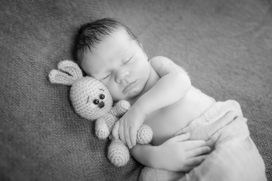 Babyfotograf-Babyfotoshooting-Neugeborenenbilder-Fotograf-BadSaeckingen-Basel (8 von 11)