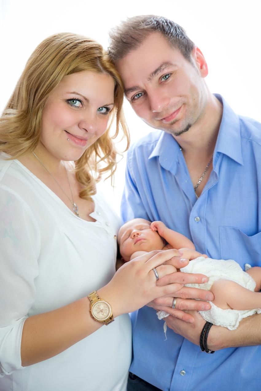 Babyfotoshooting-Newbornfotoshooting-Neugeborenenfotos-Rheinfelden-Saeckingen (4 von 6)