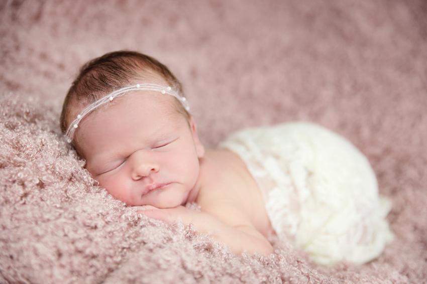 Neugeborenenfotoshooting-Fotostudio-Rheinfelden-Lörrach (8 von 8)