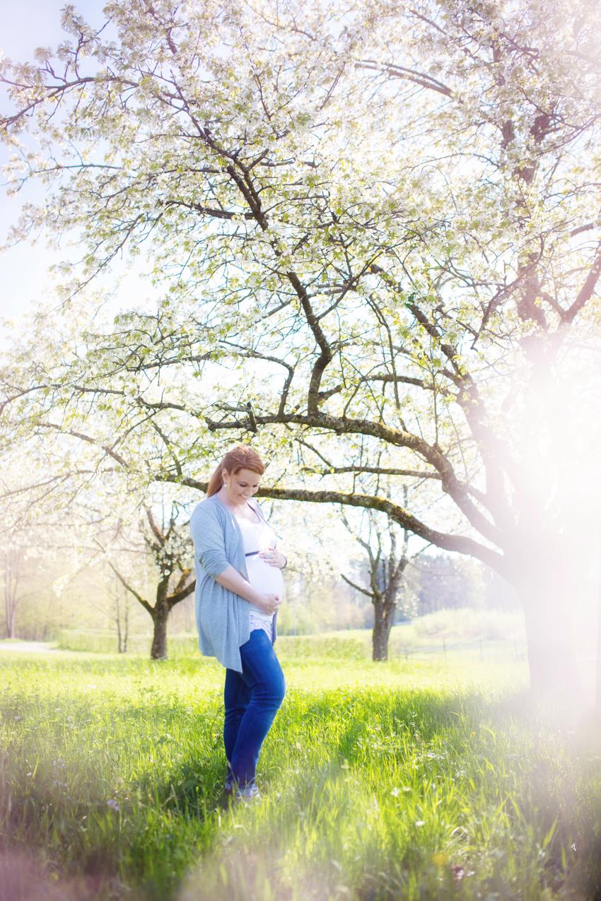 Schwangerschaftsshooting-Schopfheim-Rheinfelden-Fotograf (1 von 3)